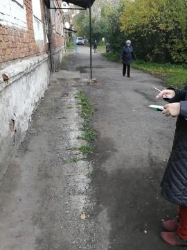 Изображение объекта Дворовая территория по адресу: пер.Ленский, 6, г. Ленинск-Кузнецкий